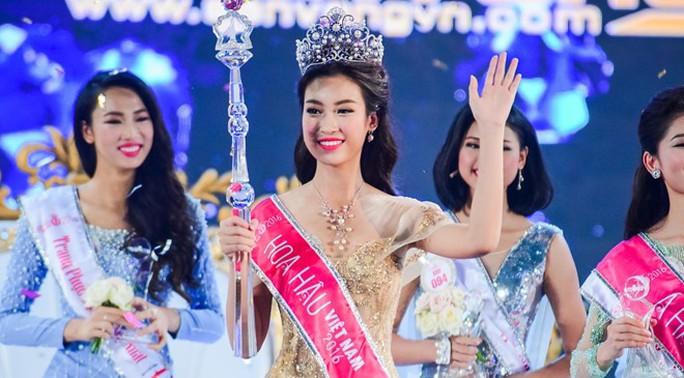 Đỗ Mỹ Linh đăng quang ngôi vị hoa hậu