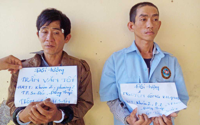 Trần Văn Tốt và Nguyễn Công Khanh tại cơ quan công an