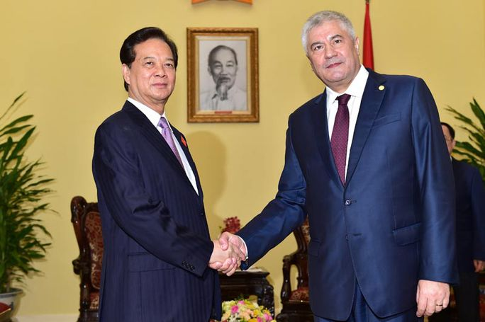 Thủ tướng Nguyễn Tấn Dũng tiếp Bộ trưởng Bộ Nội vụ Nga Vladimir Kolokoltsev Ảnh: NHẬT BẮC