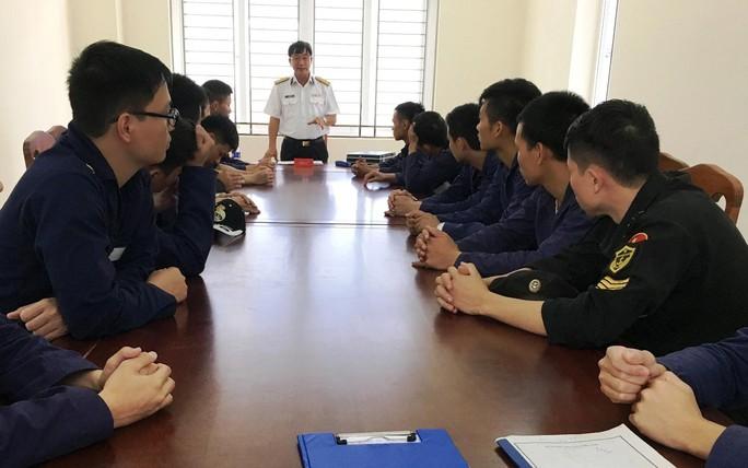 16 sĩ quan hải quân trẻ đào tạo tại Nga về thực tập