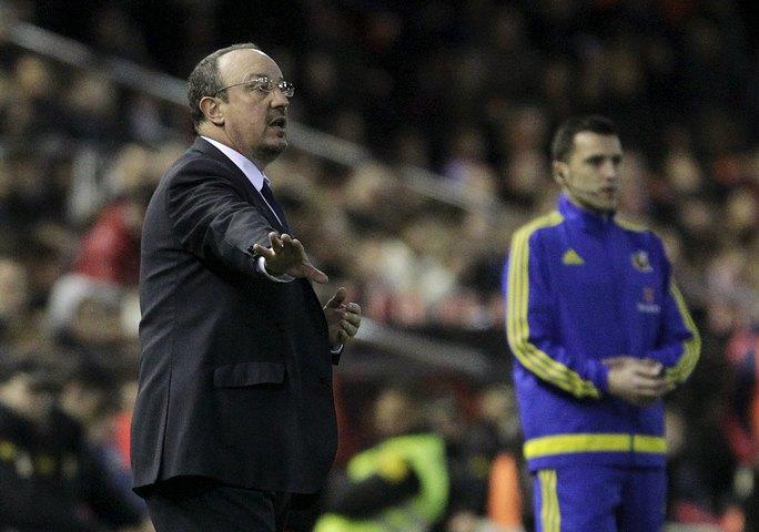 Biến động ở Real Madrid: Zidane thay Benitez