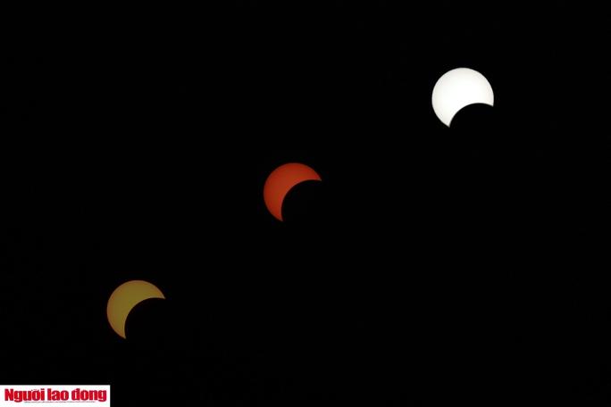 Hình dáng và màu sắc của mặt trời có sự khác biệt qua các giai đoạn của Nhật thực.