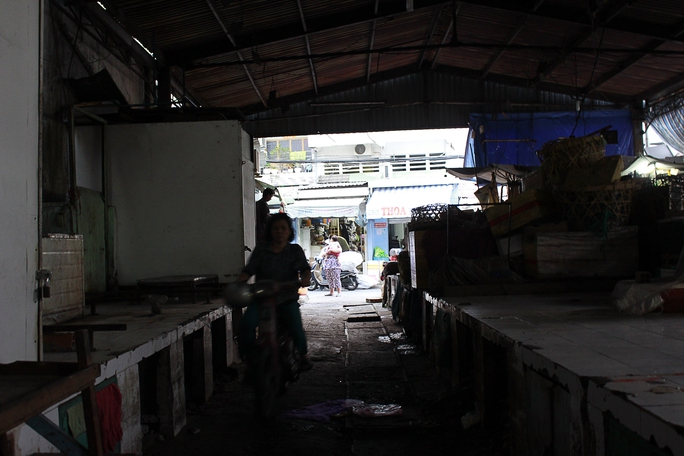 Đường trong chợ trở thành đường lưu thông vì bên ngoài các con đường khác đều trở thành nơi buôn bán