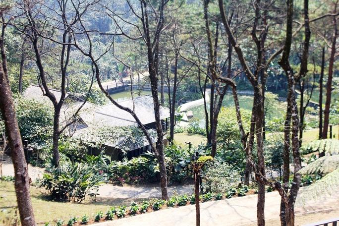 Công trình Le Mont Bavi Resort & Spa - resort do Công ty TNHH Phát triển công nghệ (CFTD) làm chủ đầu tư tọa lạc ở độ cao 600 m giữa vườn Quốc gia Ba Vì (Hà Nội)