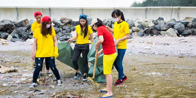 Thu Minh kêu gọi làm sạch biển