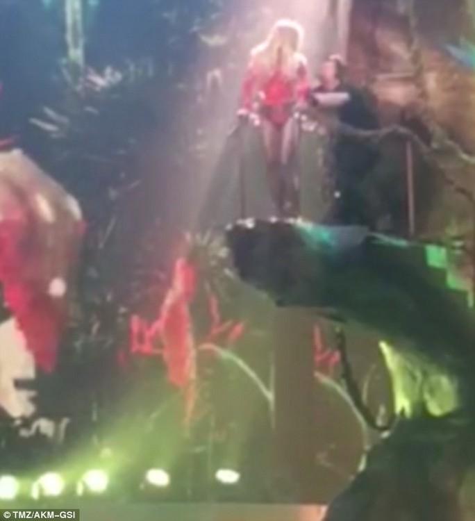 "Britney Spears bị ""Tổ trác"""