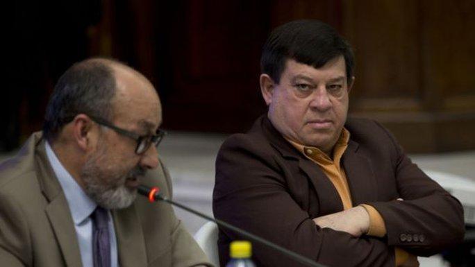 Ông Francisco Reyes Giron (phải) bị kết án 120 năm tù giam. Ảnh: AP