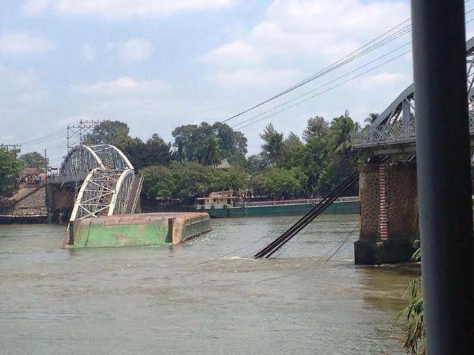 Vụ sập cầu Ghềnh: TP HCM tiếp sức cứu nạn