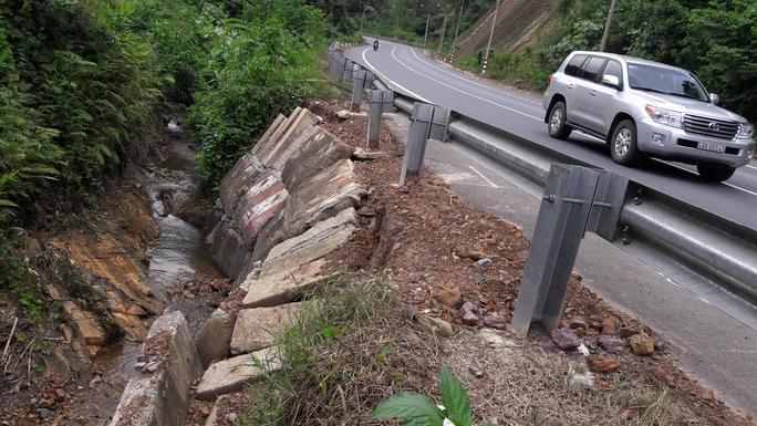 Quốc lộ 20 bị sụt lún, sạt lở