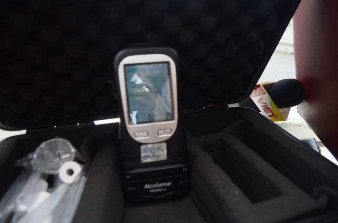 Chiếc máy đo nồng độ cồn được trang bị cho CSGT