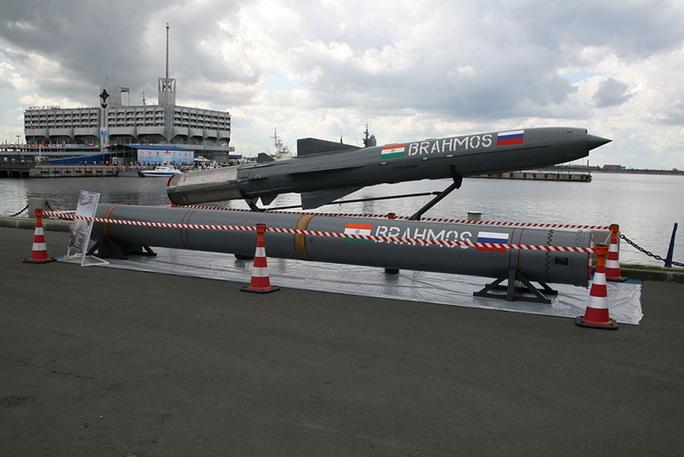 Tên lửa hành trình BrahMos được mệnh danh là sát thủ diệt hạm. Ảnh: Internet