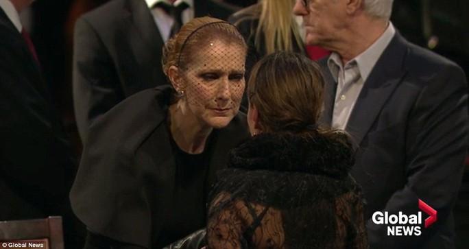 Danh ca Celine Dion cảm ơn lời chia buồn từ mọi người