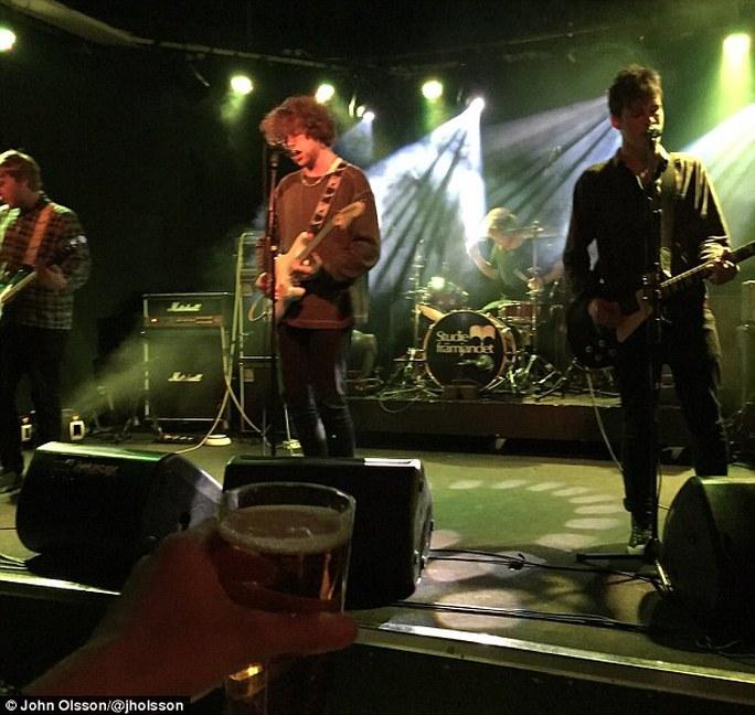 Bức ảnh cuối cùng của ban nhạc rock tử nạn