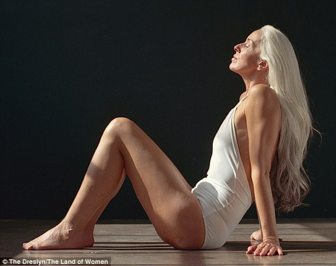 Người mẫu 60 tuổi Yazemeenah Rossi