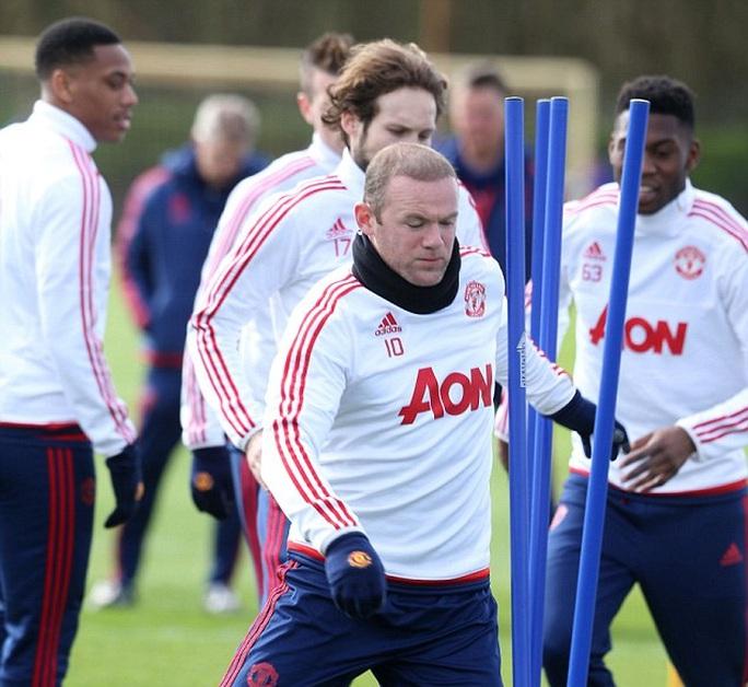 Rooney đã trở lại