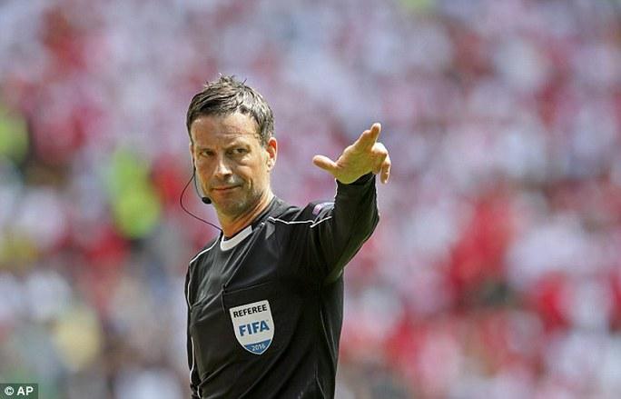 Trọng tài Clattenburg sẽ điều hành trận derby thành Manchester