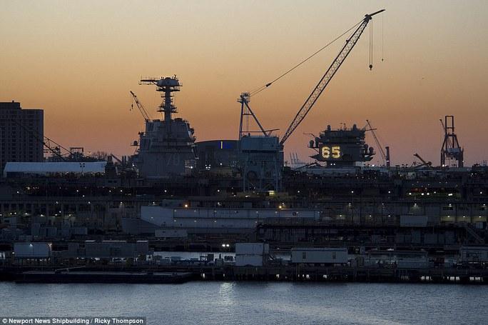 CVN-78 có thể tiến hành 220 cuộc không kích mỗi ngày. Ảnh: Newport News Shipbuilding