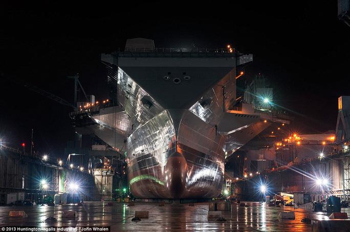 CVN-78 nặng gần 100.000 tấn. Ảnh: Hungtinton Ingalls Industries