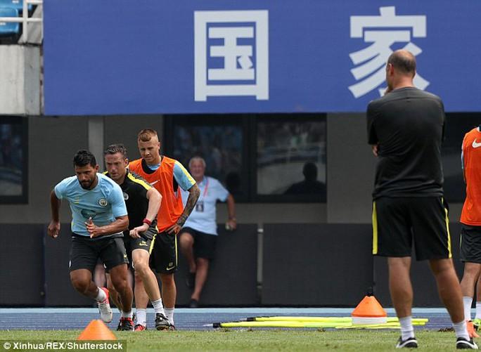 HLV Guardiola loại thẳng tay cầu thủ thừa cân
