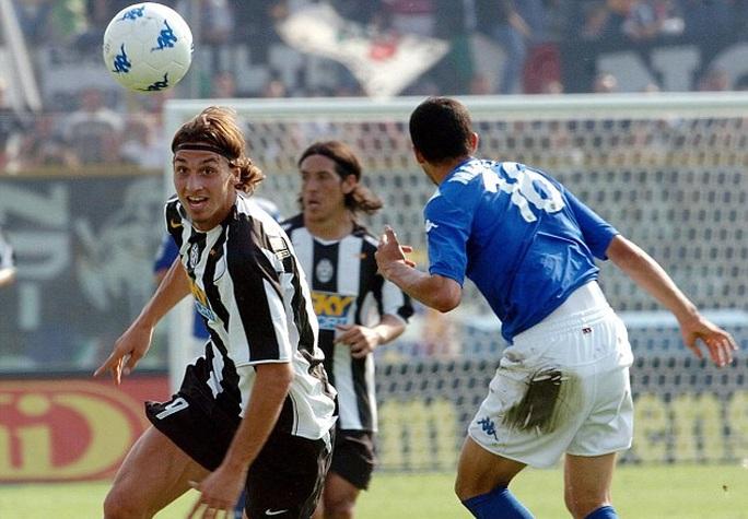 Đến Ý, Ibrahimovic cũng lập công ngay trận đầu mùa