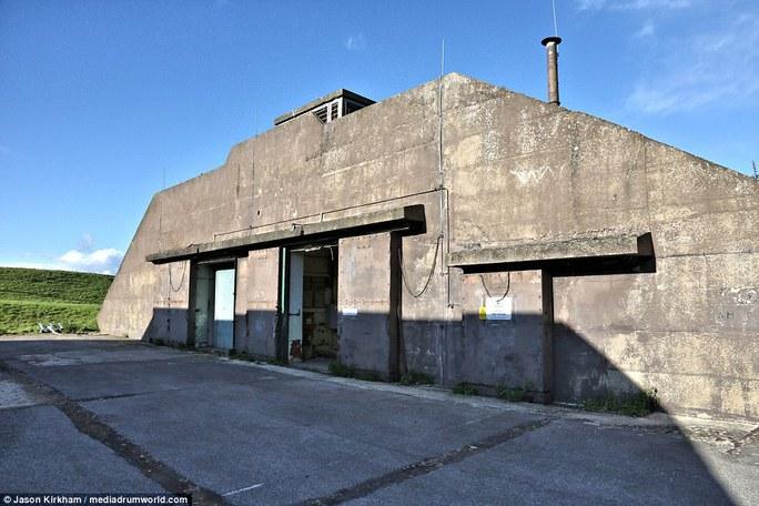 Căn cứ không quân Upper Heyford bị bỏ hoang, xuống cấp.