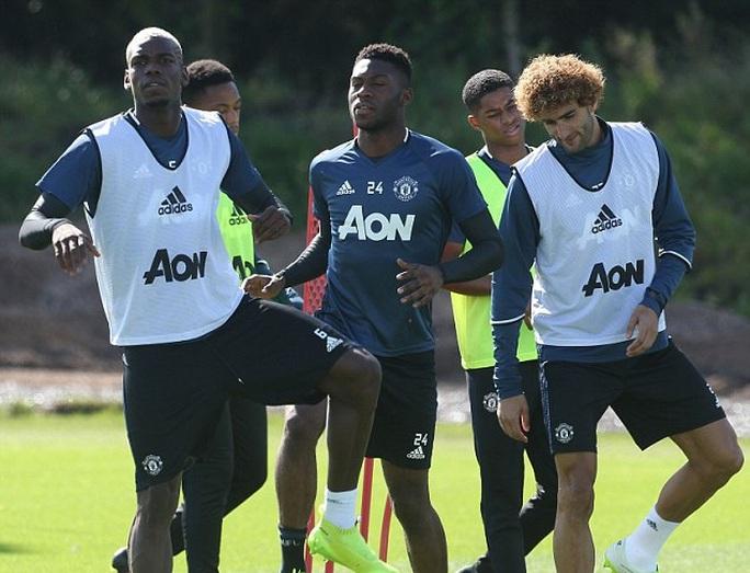 Mourinho: M.U đủ sức vô địch Premier League