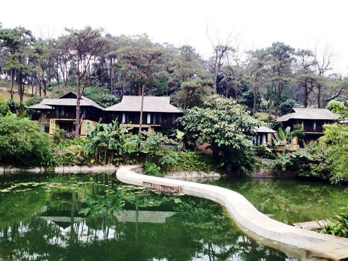 Các khu biệt thự được xây dựng kiên cố trong Vườn Quốc gia Ba Vì