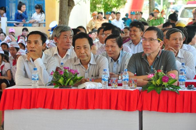 Phó Thủ tướng dự lễ khánh thành trường tiểu học do Báo Người Lao Động tài trợ