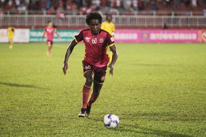 Ngoại binh Lima tiếp tục tỏa sáng với 2 bàn thắng cho CLB Sài Gòn