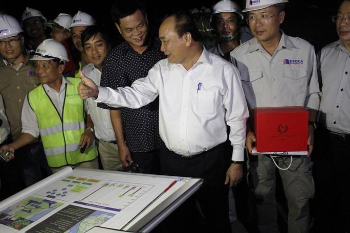 Thủ tướng Nguyễn Xuân Phúc tự hào về đội ngũ công nhân, kỹ sư Việt Nam