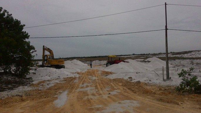 Dù chưa có nhà máy như cam kết nhưng Công ty Việt Phương vẫn được UBND tỉnh Thừa Thiên - Huế cho phép khai thác cát