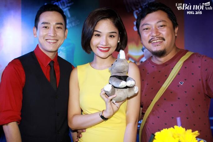 Đạo diễn Phan Gia Nhật Linh (bìa phải) cùng 2 diễn viên Hứa Vĩ Văn và Miu Lê. (Ảnh do nghệ sĩ cung cấp)