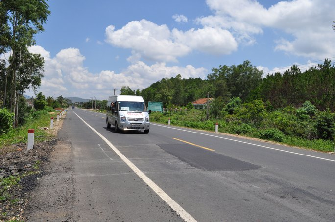 Quốc lộ 19 vừa làm xong đã phải sửa chữa nhưng đã vội thu phí