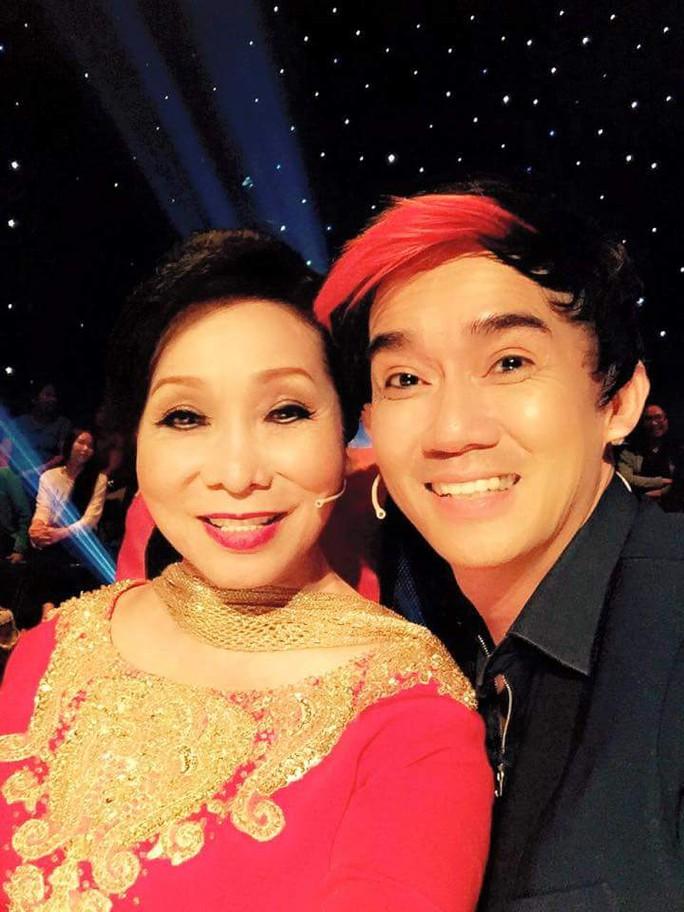Ca sĩ Minh Thuận và NSND Bạch Tuyết