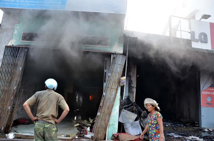 Cháy siêu thị điện máy, thiệt hại trên 10 tỉ đồng
