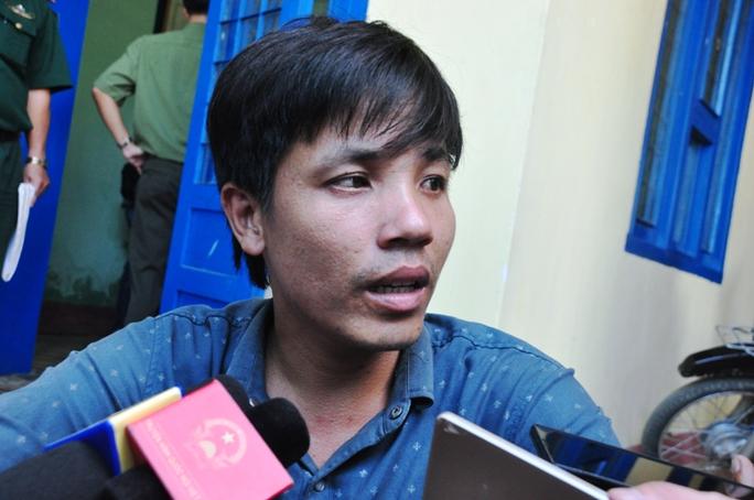 Thuyền trưởng Huỳnh Văn Khanh kể lại sự việc.