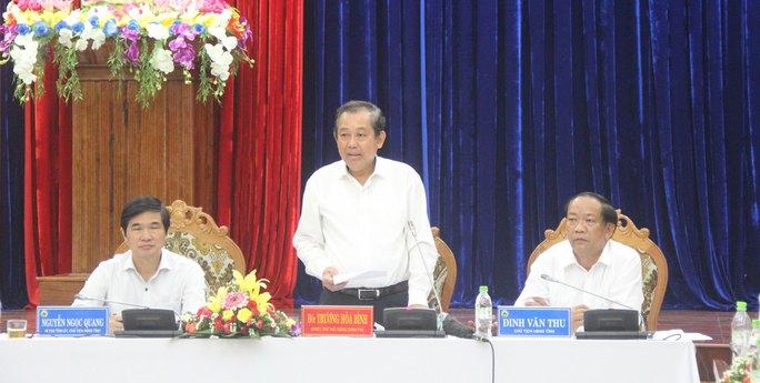 Phó Thủ tướng Trương Hòa Bình làm việc với lãnh đạo tỉnh Quảng Nam hôm 10-7 Ảnh: THANH HOÀI