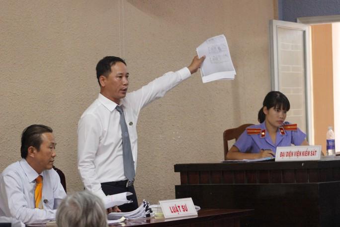 Luật sư trưng ra các bằng chứng cho rằng có đến 4 tờ vé số trong vụ án