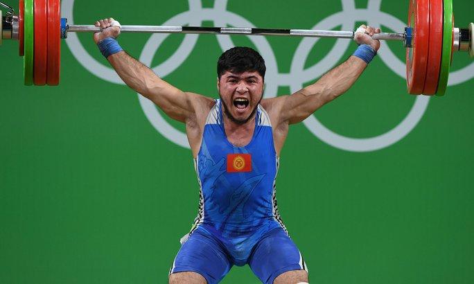 Lực sĩ Izzat Artykov của Kyrgyzstan bị tước HCĐ vì sử dụng doping