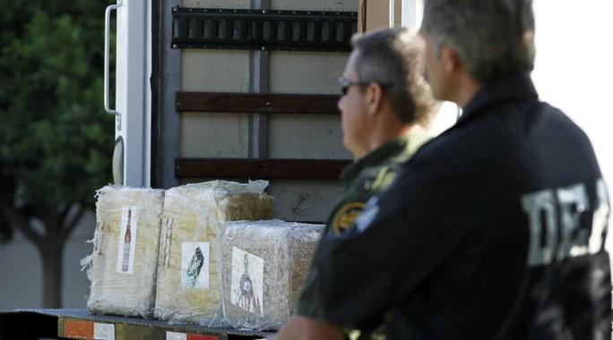Cảnh sát Mỹ-Mexico hợp tác chống bọn buôn ma túy. Ảnh: Reuters