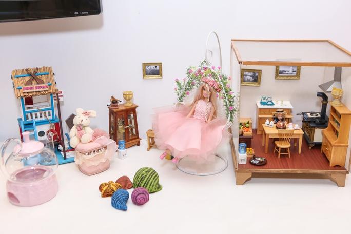 Kể cả những kỷ vật từ thời thơ ấu, cô cũng bán để làm việc thiện.