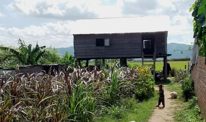 Vay 35 triệu để làm nhà, nhưng vợ chồng chị R.Nh phải chịu hơn 70 triệu đồng tiền lãi Ảnh: HOÀNG THANH