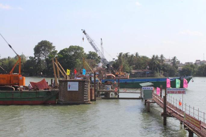 Cầu Ghềnh mới đang được khẩn trương thi công