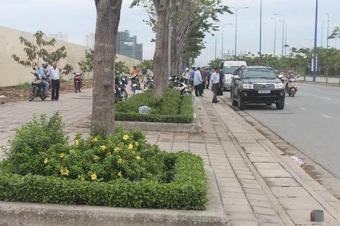 Ở TP HCM, nhiều hãng xe lập bến cóc để đón, trả khách