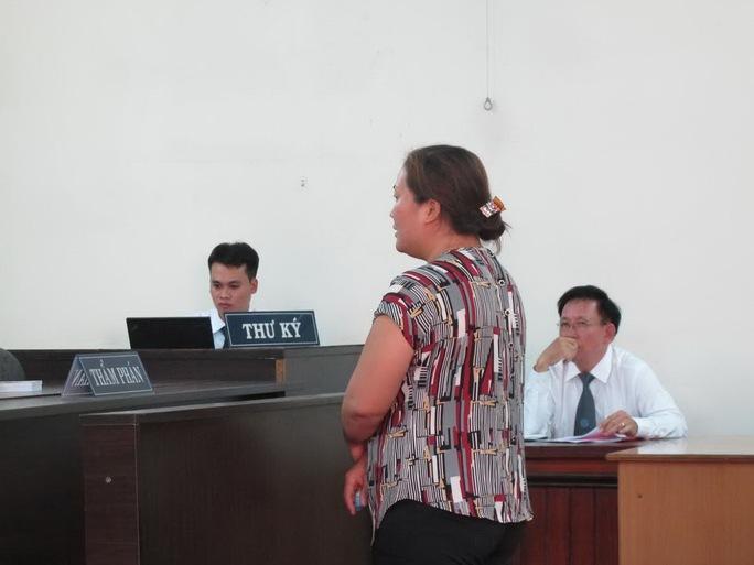 Bị cáo Mai Thị Ngọc Vân tại phiên tòa phúc thẩm TAND TP HCM Ảnh: Phạm Dũng