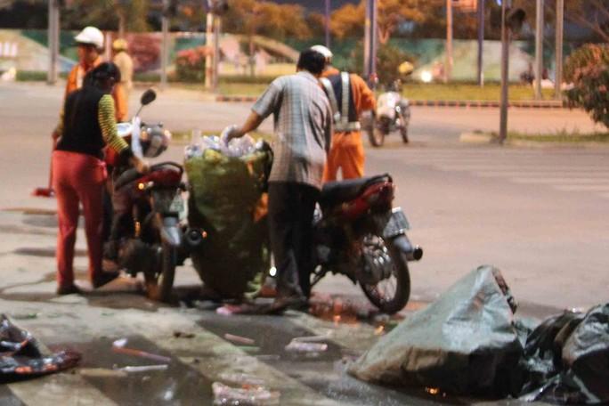 Nhiều người thiếu ý thức, làm khổ công nhân vệ sinh