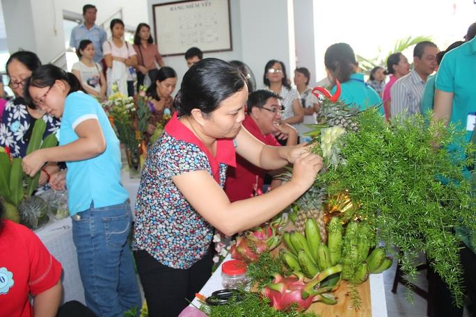 Hội thi chưng mâm ngũ quả do LĐLĐ quận Bình Thạnh, TP HCM tổ chức, tạo sân chơi bổ ích cho CNVC-LĐ Ảnh: Thanh Nga