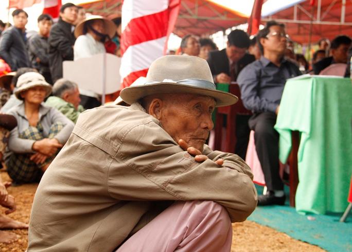 Những cụ già ở Tây Vinh chẳng bao giờ quên giây phút bị lính chư hầu Nam Triều Tiên thảm sát người thân mình