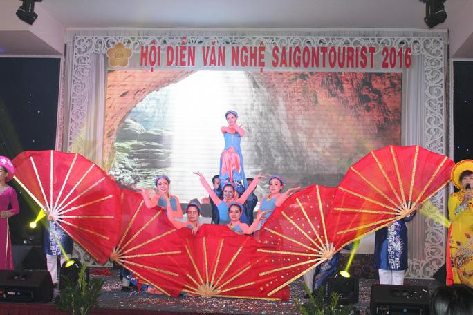 Tiết mục dự thi của Công ty CP Du lịch Sài Gòn - Đông Hà