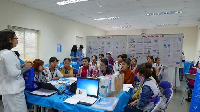 Nữ công nhân được truyền thông về chăm sóc sức khỏe